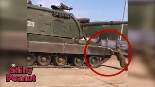 Video Lupa Rem Tangan, Tentara Ini Nekat Memberhentikan Tank Sendirian MP3, 3GP, MP4, WEBM, AVI, FLV Juni 2019