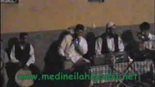 MUSTAFA YILMAZ&MEDİNE İLAHİ GRUBU 1998 YILI BİR DÜĞÜN