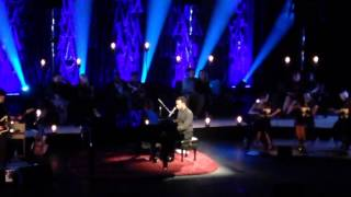John Legend - Dancing In The Dark (Live)