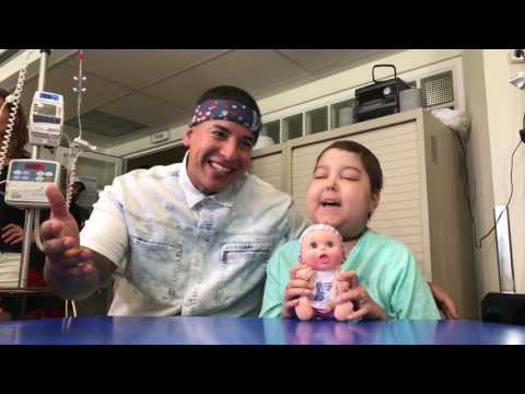"Daddy Yankee cantó ""Despacito"" con una niña enferma de cáncer (VIDEO)"