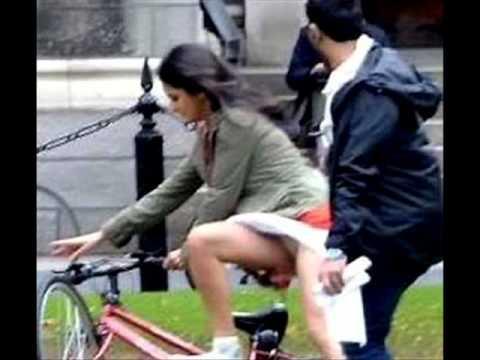 OOPS! Katrina has wardrobe malfunction