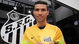 O goleiro Vanderlei, de 30 anos, é o novo reforço do Santos FC para a temporada 2015. Contratado junto ao Coritiba e aprovado nos exames médicos, o novo cami...