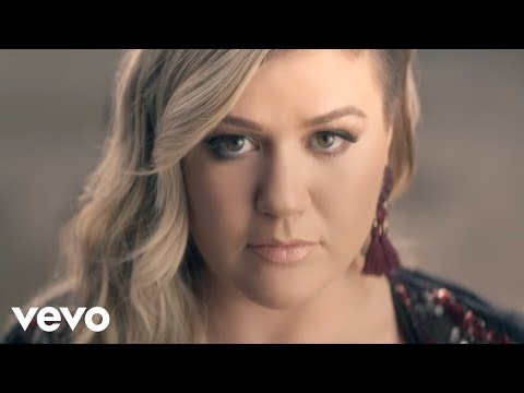 Kelly Clarkson – Invincible