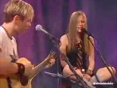 Avril Lavigne live acoustic 2002