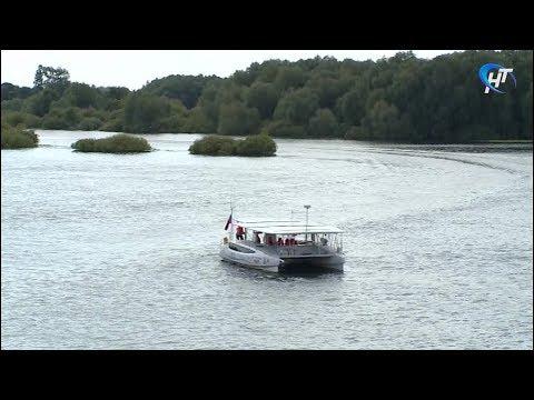 Великий Новгород посетила экспедиция по речным маршрутам России на солнечных батареях «Эковолна»