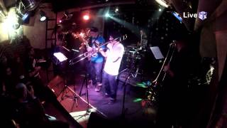 Brazz ViliDJ (Live @ Swingin Hall 05/01/2012 part 2)