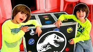 Video Jurassic World MAGIC BOX with 12 SURPRISES!! Toys and cool things for DANI and EVAN MP3, 3GP, MP4, WEBM, AVI, FLV September 2019