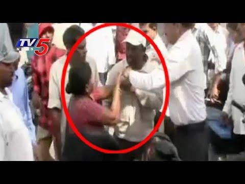 Woman Beaten Guy in Public for Harassing & Misbehaving