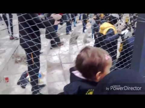Hinchada De Peñarol vs Defensorto / Torneo Intermedio 2017/ Campeon Del Siglo - Barra Amsterdam - Peñarol