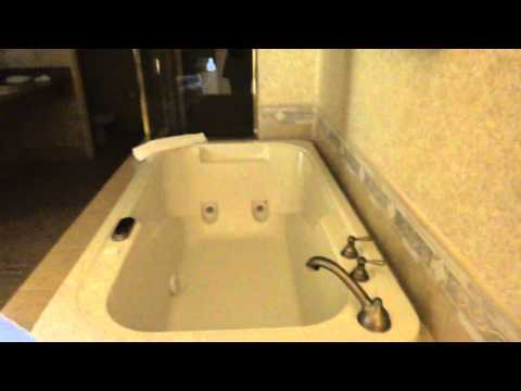 Hotel Room Tour: The Sunset Station's King Suite's Jacuzzi Bath, Big Shower, 2 Sinks, & Toilet