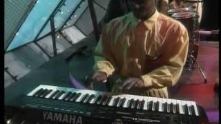 Download Lagu Patricia Majalisa: Hlukana Nami Mp3
