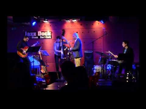 Solar Baron - Bharata Rajnošek live on Jazzdock