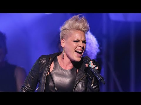 Pink DEFIES GRAVITY While Performing 'Beautiful Trauma' from a High Wire | 2017 AMAs