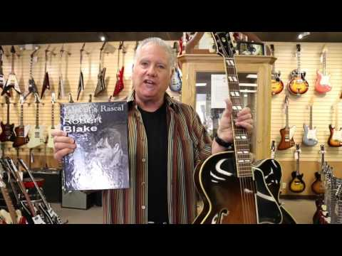 Robert Blake selling his Gibson L-7C at Norman's Rare Guitars (видео)