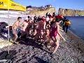 Vidéo Youtube - Il fallait du courage pour la centaine de participants pour sauter à l'eau par un samedi ensoleillé, mais froid. Crédit: Nelson Sergerie