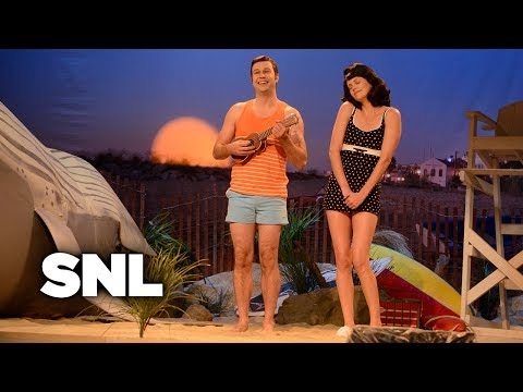 Bikini Beach Party – Saturday Night Live