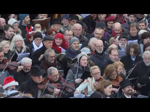 Prague citizens celebrate Christmas.