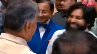 Pawan Kalyan Making Fun With Chandrababu Naidu @ Ramoji Rao Grand Daughter Wedding