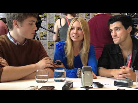 Comic Con 2012 - Falling Skies Connor Jessup, Drew Roy and Sarah Carter talk Season 2