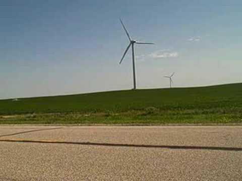 Wind farm near Edgeley, N.D. (видео)