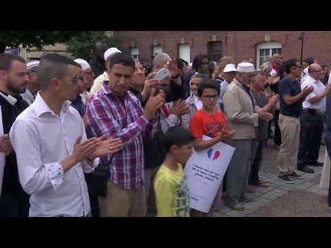 Γαλλία: Τελετές μνήμης για τον ιερέα που δολοφονήθηκε από τζιχαντιστές