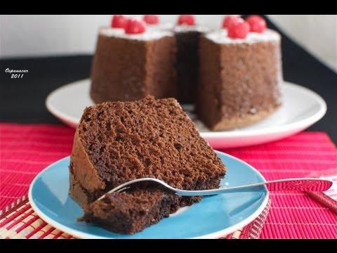Chiffon - Un jugoso bizcocho con un increible sabor a chocolate. Podéis ver la receta escrita en http://ospanacar.blogspot.com.es/2011/05/chiffon-cake-de-chocolate.htm...
