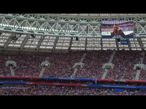 Robbie Williams Showed His Middle Finger In FIFA World Cup 2018 Opening Ceremony