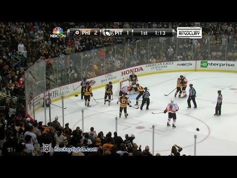 Simon - R.J. Umberger vs Simon Despres from the Philadelphia Flyers at Pittsburgh Penguins game on Oct 22, 2014. via http://www.hockeyfights.com.