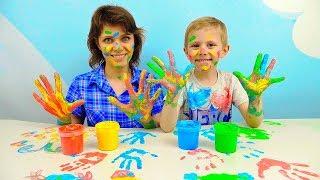 Учив цвета с весёлыми и яркими пальчиковыми красками и вместе с забавным Даником, который очеь любит играть в разные развивающие игры для детей и снимать про них интересные детские видео на канале Носики Курносики. В это развивающем видео Даник повторит с ребятами четыре основных цвета, а именно: синий, красный, жёлтый и зелёный, а после весело поиграет со своеё мамой в Цветные Ладошки из пальчиковых красок, которые безопасны для детей.Учим Цвета видео для детей все серии подряд https://www.youtube.com/watch?v=ovd9UHvSIg4&list=PLrxOuNLlgc3aHFaxvbrR_WcOe8NyC9F8l&index=5&t=15sУчим цифры - развивающие видео для детей - Сборник https://www.youtube.com/watch?v=frji400fBTA&index=9&list=PLrxOuNLlgc3b6Y5Ablyr7hq5RvPu7WXU7&t=25sПодписывайтесь на канал Носики Курносики  http://goo.gl/tq5oK1 ЕЩЁ ИНТЕРЕСНЫЕ КАНАЛЫ ДЛЯ ДЕТЕЙ:Курносики Junior4+ https://www.youtube.com/channel/UCQWg3E4rf9PS1ThMpuTiOuw Корзина Игрушек https://www.youtube.com/channel/UCIn-bm53CC7ZuWSlBjLq1UQМузыка: http://incompetech.com/music/royalty-free/