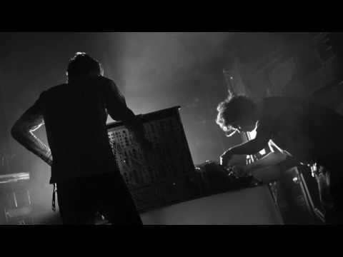 Simian Mobile Disco - Hustler (live edit)