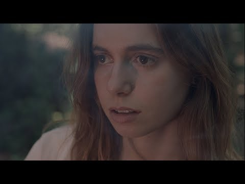 KLIP: JULIEN BAKER - 'Turn Out The Lights'
