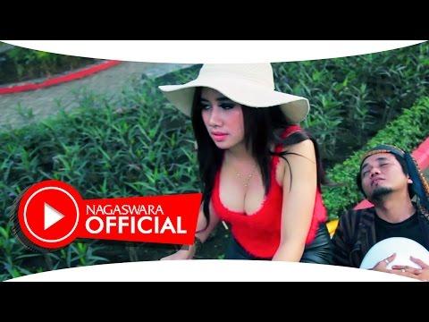 Video Uut Selly - Kodok Ijo (Official Music Video NAGASWARA) #music download in MP3, 3GP, MP4, WEBM, AVI, FLV January 2017