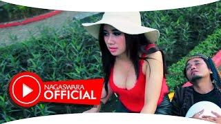 Video Uut Selly - Kodok Ijo (Official Music Video NAGASWARA) #music MP3, 3GP, MP4, WEBM, AVI, FLV April 2018