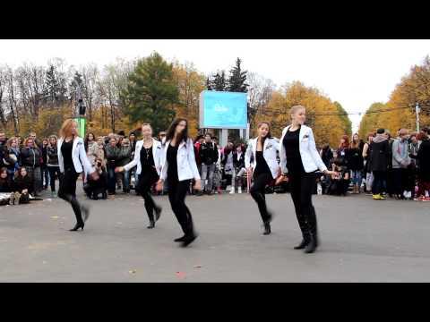 [121021] Kpop in Russia __SNSD - Genie__ [HD] (видео)
