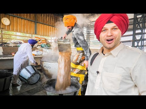 INDIAN FOOD HEAVEN at the BIGGEST MEGA KITCHEN 2018! AMAZING TRAVEL DOCUMENTARY in the GOLDEN TEMPLE