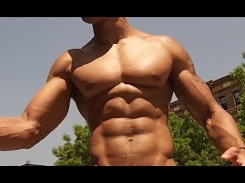 Training Secret to Building a Bigger Chest Fast (Big Brandon Carter) (видео)