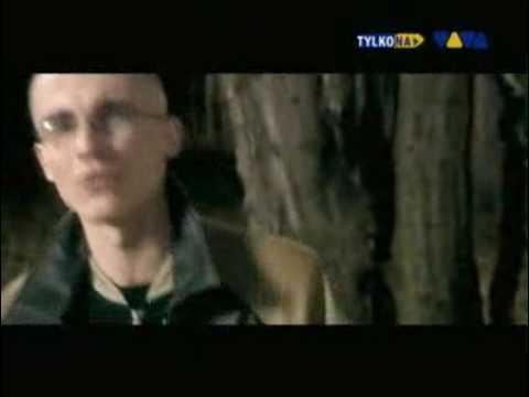 Tekst piosenki Pezet - Nie Jestem Dawno po polsku