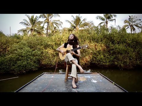 Estas Tonne: The Song of the Golden Dragon (HD)