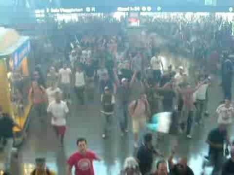 Invasione ultras Napoli stazione Termini di Roma