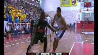 A few moves from big man Atila dos Santos playing for the Palmeiras team on the NBB season. Alguns momentos do pivô Atila...