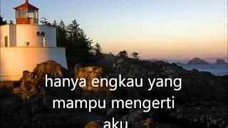 Download lagu Ihsan Bunga Karena Aku Lelaki Mp3