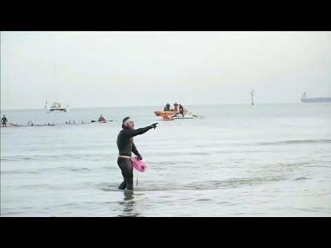 Ο πρώτος άνθρωπος που κολύμπησε όλη τη Βρετανία