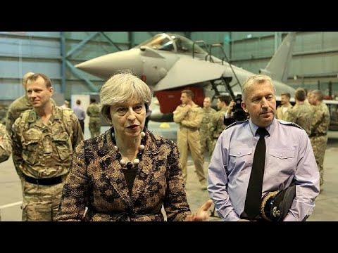 Στις βάσεις Ακρωτηρίου η Βρετανίδα πρωθυπουργός