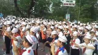 Xác lập kỷ lục Việt Nam bài múa dân vũ con cào cào quận Tân Bình