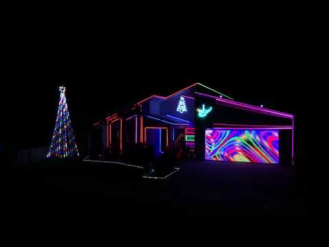 """2017 Christmas Lights to """"Frosty the Snowman"""" (Michael Bublé ft. The Puppini Sisters)"""