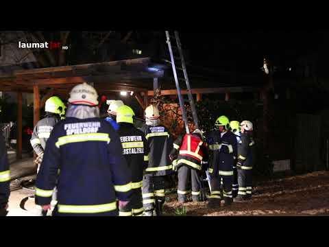 Carport und Auto bei Brand in Eberstalzell erheblich beschädigt