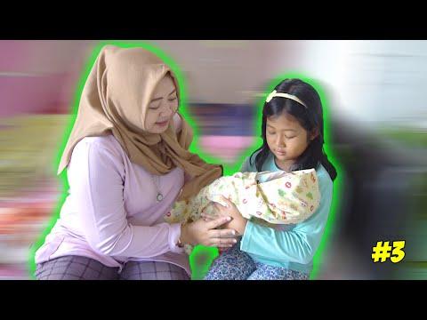 RERE PUNYA ADIK BAYI BARU PART 3 !! EH DISURUH JAGAIN DONG !