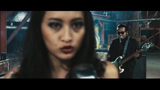 Video Endank Soekamti feat. Naif - Benci Untuk Mencinta (Official Music Video) MP3, 3GP, MP4, WEBM, AVI, FLV Maret 2018