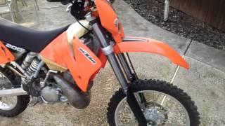 9. 02 KTM 200EXC