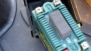 5. Kymco People GT 300i scooter battery replacement and upgrade to lithium battery